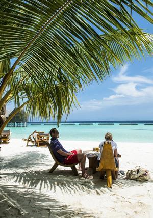 Varje år toppar Maldiverna listorna över platser dit vi nordbor drömmer om att bege oss. För den som är ute efter total avkoppling, god mat och ständig uppassning är tillvaron på Constance Moofushi perfekt.