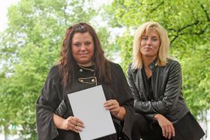 författare. Sandvikentjejerna Emelie Pettersson och Sophie Bergqvist har skrivit en bok för unga tjejer.