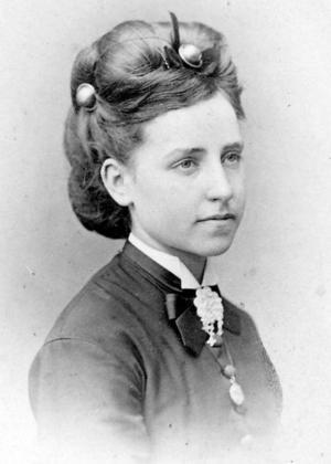 Julia Upmark hann bara vara gift i ett år innan hon blev änka vid 22 års ålder.