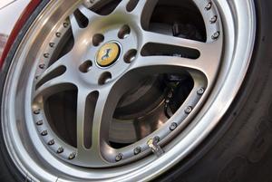 På en Ferrari är allt genomtänkt. Även luftventilen ska vara unik.