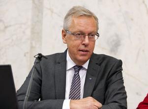 Kommun och finansmarknadsminister Mats Odell fick i går ta del av utredningen.