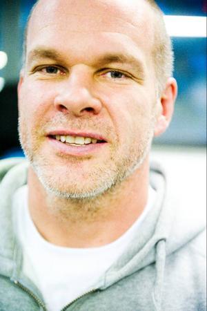 Christian Hedlund ville bort från storstadens hets och samtidigt starta en träningsanläggning för Crossfit, en