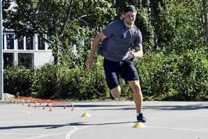 Fokus ligger främst på bålstyrka, men hela kroppen tränas.