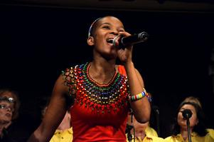 Star choir South Africa. Just nu turnerar Triple & Touch med minikören för att uppmärksamma deras gemensamma välgörenhetsprojekt.