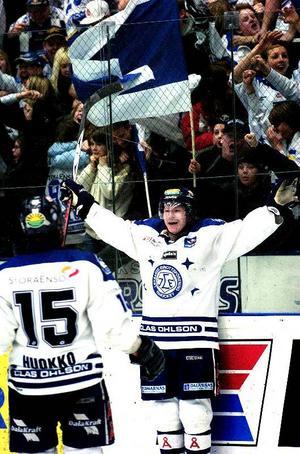 Miraklet. Morten Green jublar efter att med sitt avgörande mål ha fullbordat Leksands vändning, från 2–5 till 6–5.