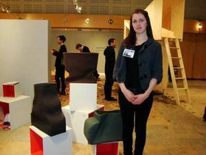 Anna Edsälv från Konstfack visade upp textilvaser, avsedda att förvara just textilier i.