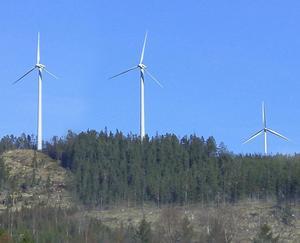 Vindkraftsenergin kan inte bara tas när den bäst behövs utan endast när det blåser, heter det i insändaren.