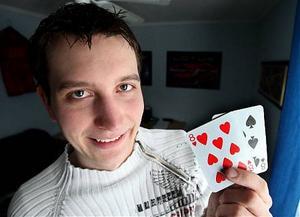 Peter Sandström, 23 år, från Älandsbro vann pokerturneringen Nordic Light Poker i Sundsvall i helgen.