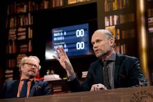 Programledarna Fredrik Lindström och Kristian Luuk i tv-programmet