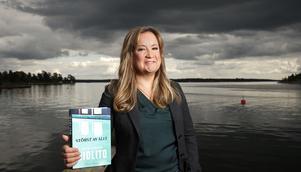 Författaren Malin Persson Giolito prisas för rättegångsthrillern