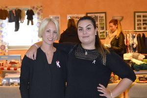 Systrarna Sofie och Emelie Blom anordnar en loppis mot cancer i Bergsåker.