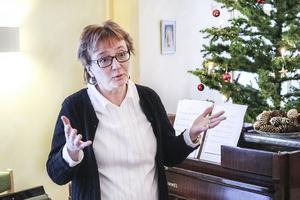 Kantorn och körledaren Margaretha Dahlén Strömstedt hoppas att fler körer tar efter Halv 11 körens koncept. Att de inte bara ger konserter i kyrkor utan att de tar sig ut till andra ställen också.