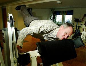 Region Jämtland Härjedalens pris för Årets folkhälsoinsats utdelades postumt till Kjell Söder för hans insatser inom området folkhälsa. På bilden (som togs 2003) ser vi Kjell på gymmet i Reacting AB:s lokaler i Odenskog.