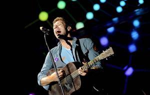 Chris Martin och hans Coldplay släpper nytt den 4 december.