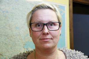 Byggnadsinspektör Jessica Forsström har börjat beta av en lista med hus vars underhåll är eftersatt.