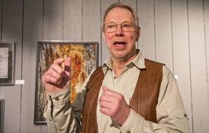 – Det finns en massa fotografiska naturtillgångar. Jag tolkar dem och kanske tolkar betraktaren dem vidare, säger Mats Ricklund som ställer ut naturbilder på fjällmuseet i Funäsdalen.