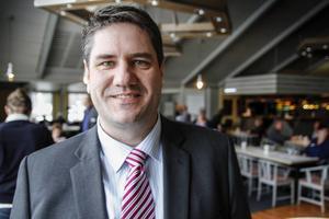 Mikael Reijer, vd Aefab, vill att Hyresgästföreningen utesluter tre personer från den lokala hyresgästföreningen i Alfta.