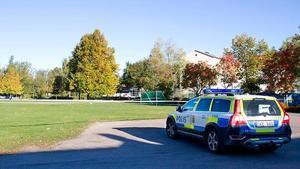 På lördagsmorgonen var delar av fotbollsplanen vid Markusskolan avspärrad.