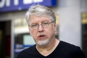 Leif Lundman från Gävle är positiv till att man nu kan bli bötfälld för nedskräpning.