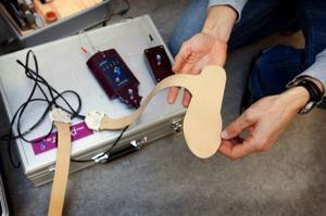 Exklusiva sulor som med hjälp av datorn berättar när åkarna står helt rätt i skon och därmed får ut maximal kraft och teknik genom sina fötter.