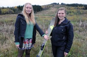 Kamilla Lie och Amanda Axelsson planerar att driva en skidskola i Hunflen kommande vinter, som en del i deras UF-företag.