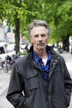 Håkan Vargas är aktuell med boken Björnarnas berg där han berättar om sina många möten med björn.