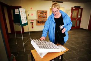 Helena Ivansson har ännu inte bestämt sig för hur hon ska rösta i valet till Europaparlamentet, men det blir på något av de traditionella riksdagspartierna.