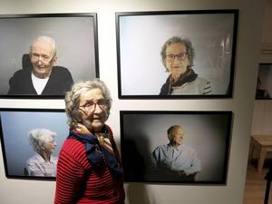 Ingrid Pettersson, 94, tycker att arbetet med fotograferingen var trevligt upplagt.