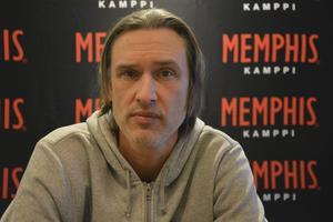 I centrala Helsingfors träffade ST-sporten Timråikonen Krykov.