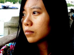 """Kärlek på nytt språk. Xiaolu Guo är aktuell med """"Kortfattad kinesisk-engelsk ordbok för älskande"""" om en kinesiska som försöker                                 att förstå språket, kulturen och kärleken under ett år i London. Foto: Philipe Ciompi"""