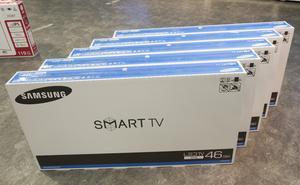 När Comhem släcker det analoga tv-nätet är det många som måste uppgradera sin tv-utrustning i hemmet. Något inte alla har råd med. Foto: Terje Bendiksby/TT