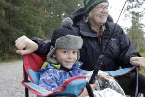 Nu är det dags för Dammsjödagen. Kul att meta tyckte Ari Lindén med farmor Ing-Marie Winther förra året.