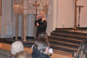 Mira Berglund och Frida Hållander var solister i första akten.