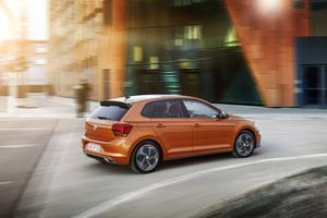 Orange är en färg som har ökat kraftigt i popularitet bland bilköparna under hösten, liksom brun. Det visar statistiken från Bilpriser.  Foto: Volkswagen/Pressbild