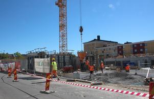 I höst börjar fördelningen av 87 nybyggda lägenheter i kvarteret Teatern, efter Gruvgatan.