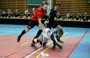 Mika Ruuska rundar Vattjoms målvakt och petar in 14-6.