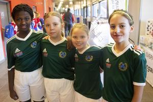 Aniella Dushime, Ewelyn From, Ida Dahlbäck och Tindra Eriksson spelar i Storviks IF.
