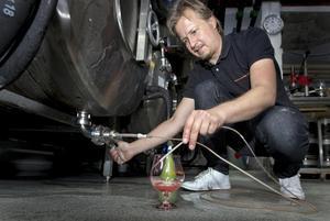Hantverksbryggeriets ölbryggare i Raimo Gester. Foto: Rune Jensen