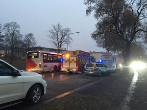 Det var begränsad framkomlighet vid olycksplatsen under räddningsarbetet.