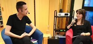 Författaren Johan Hermansson intervjuades av Johanna Astrén på biblioteket i Vansbro.