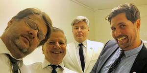 Obucenterna består av Lasse Johansson, elgitarr, Stefan Tullners, bas, Bosse Johansson, sång och Niklas Ohlson, bandets senaste tillskott, på trummor.