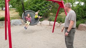 Thomas Eckl med barnen Jana och Alexander. De är från Tyskland och på husvagnssemester.
