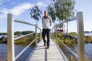 Lars Ljung trivs bra med livet i Sandarne, även om han planerar en flytt tillbaka till Norrala där han är uppväxt.