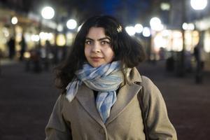 Mayasa Jasim El-Mahmadi går under artistnamnet Schersmin. I februari släpper hon sin första EP.