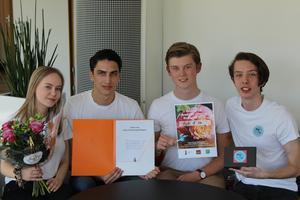 Årets UF-företag Pick it up med företagarna (från vänster) Ellinor Dageryd, Lucas Strind, William Karlström och Adam Lang Bergendahl.