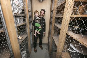 Daniel Hermansson med dottern Astrid som blir tre år i februari.