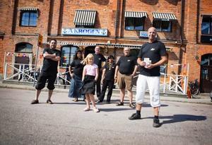 Ludde Johansson, Prakong Nilsasin, , Moa Åberg,  Karl Griesser, Chamlong Nilasin, Janne Dahlberg, och Eddie Åberg laddar inför Rånockfestivalen.