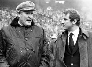 Trärnarlegendarerna Giovanni Trapattoni, till höger, och Nils Liedholm i samspråk inför en Serie A-match. Trapattonis Inter slog ut Brage ur Uefacupen 1988.