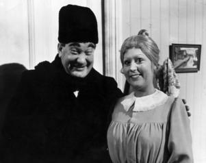 Teskedsgumman med Carl-Gustaf Lindstedt och Birgitta Andersson.