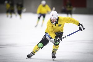 Det blev en ny tung förlust för Broberg som har inlett säsongen med tre raka förluster.